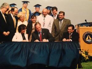Bill sign2 (1)